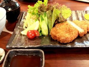 ロースかつ定食¥900